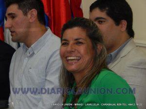 Adriana en la junta